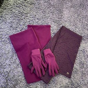 brand new scarves and gloves bundle